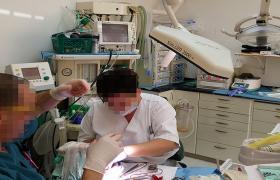 מנורת טיפולים מרפאת שיניים